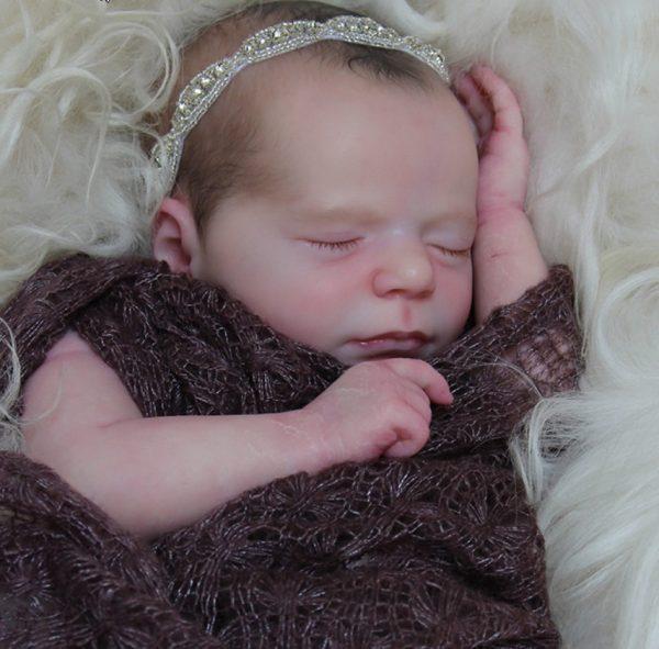 Sleeping Madison Realborn sans corps